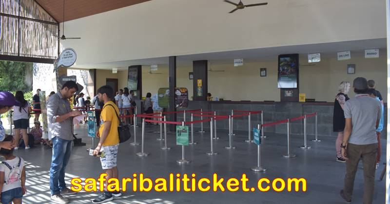 Open air main lobby to get your Bali Safari marine park tickets package